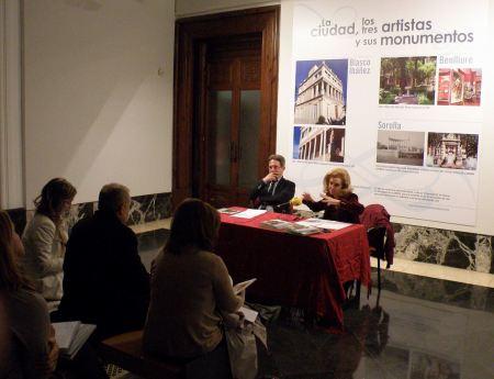 Presentación de la muestra. Ricardo Bellveser y María Irene Beneyto / Foto: Homocultum