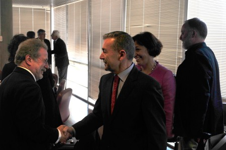 Paulino Rivero saluda a los miembros del Consejo / Foto: HomoCultum