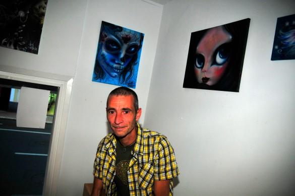Pau Pérez en El Gallinero Café Arte durante la inauguración / Foto: HomoCultum