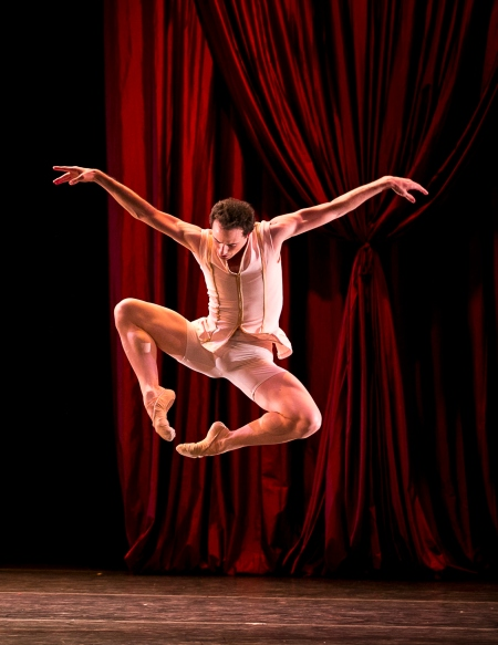 Raúl Casasola / Foto: Herbert Migdoll (cortesía del Joffrey Ballet de Chicago)